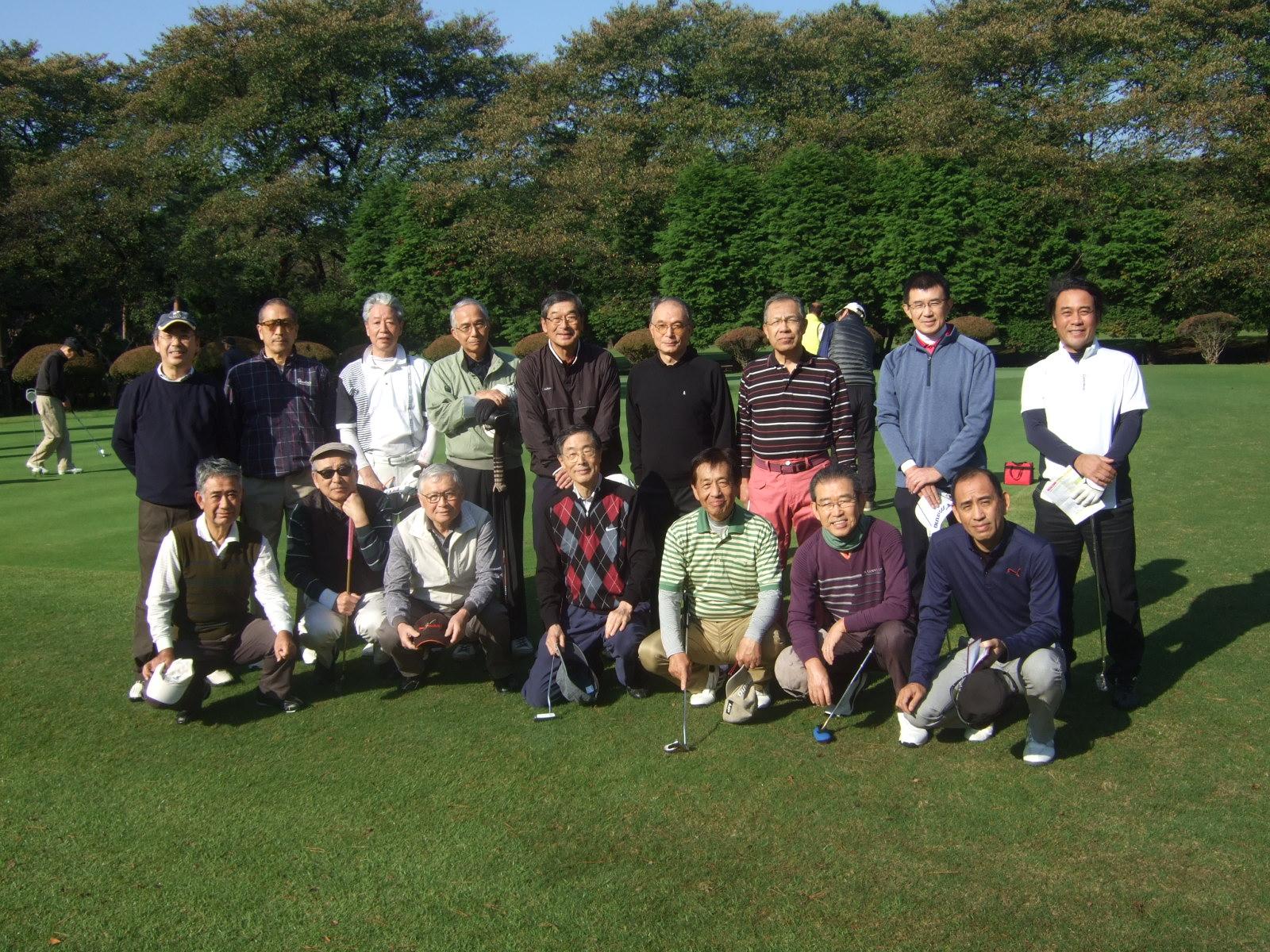 2017年に行われた第3回親睦ゴルフの様子